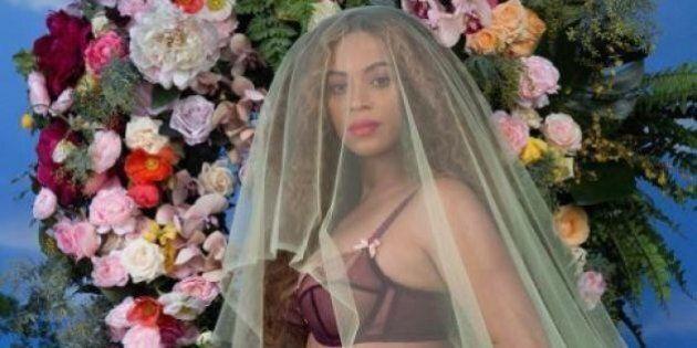 Beyoncè incinta, aspetta due gemelli. La regina della musica americana con il pancione su