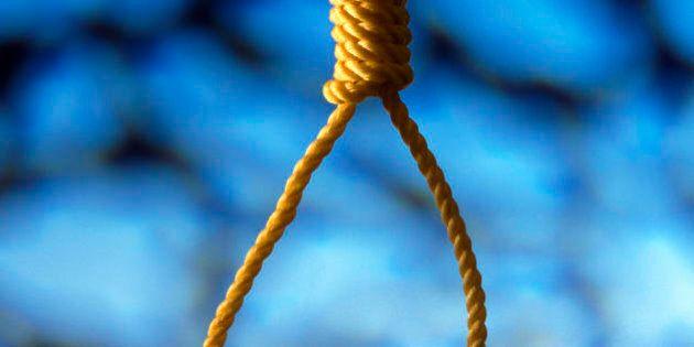 Pisa, attore strangolato durante scena di impiccagione: è grave. A dare l'allarme spettatrice neolaureata...