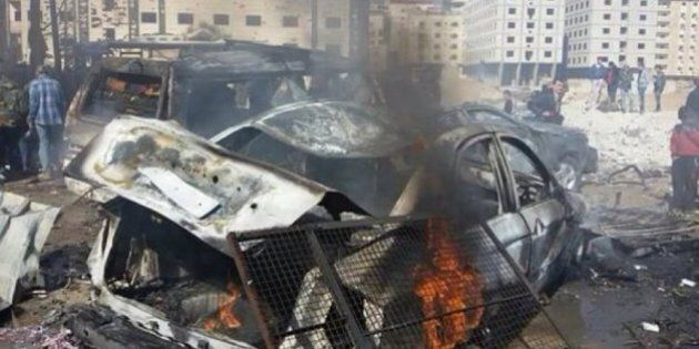 Siria, Isis colpisce quartiere sciita a Damasco: decine di morti. Colloqui di Ginevra a rischio