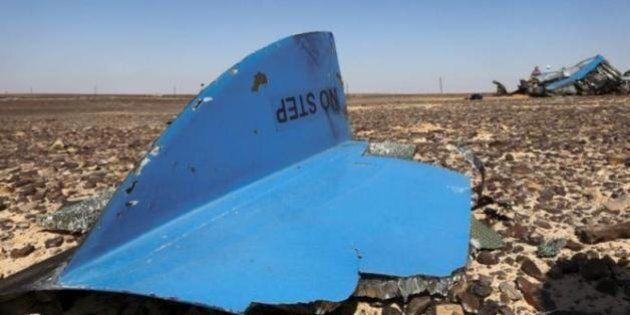 Aereo russo precipitato, migliaia di turisti bloccati in Egitto. Sospesi voli per Sharm e quelli della...
