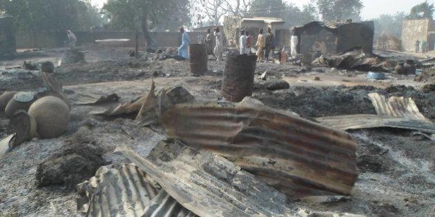 Boko Haram, attacco a villaggio nigeriano: 65 morti, bimbi bruciati vivi. Terroristi colpiscono anche...