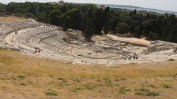 L'Alcesti di Euripide, all'antico Teatro di Siracusa, è come un moderno