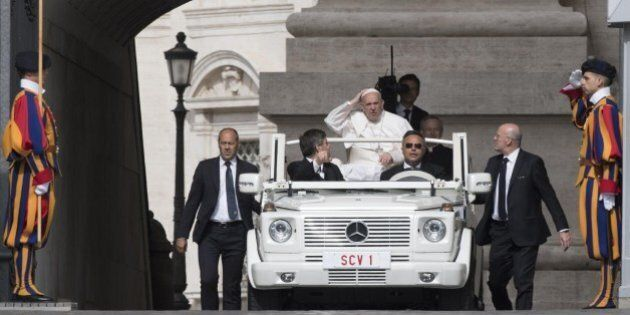Il Pontificato di Francesco dalle Alpi alle Piramidi. Dove sfugge e dove attecchisce la parola di