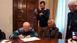 La figlia del podestà firma la pace con il partigiano che le uccise il
