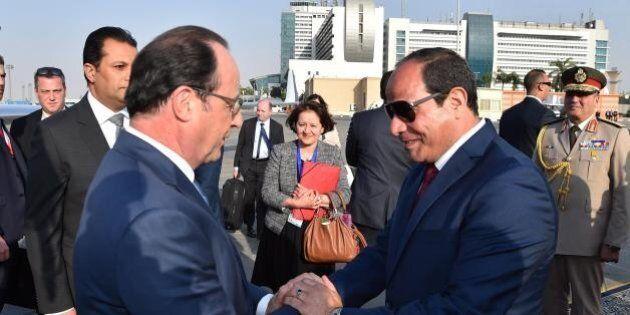 Egitto, Hollande torna dal Cairo con 1,7 miliardi di euro in tasca. Debole e tardivo il richiamo su
