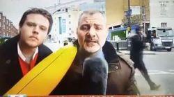 C'è un disturbatore con la banana, il giornalista perde le