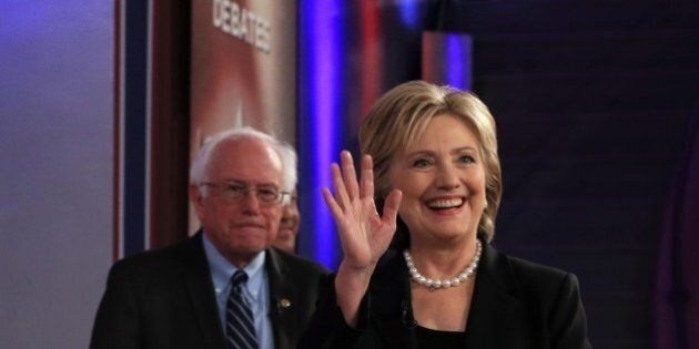 Iowa, Hillary Clinton batte Bernie Sanders per un pugno di voti. Il senatore del Vermont aveva chiesto...