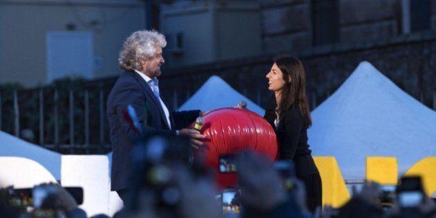 Beppe Grillo blinda Virginia Raggi fino al 2021: