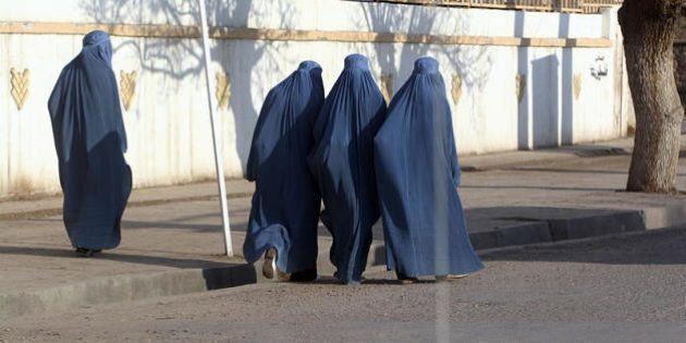 Burka, burkini, velo. Sul corpo delle donne è in atto una vera e propria guerra