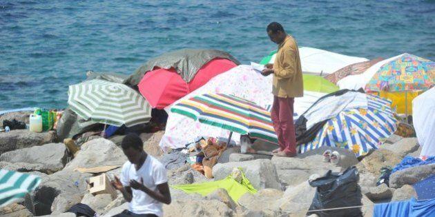 A Ventimiglia sindaco ordina lo sgombero forzato dei migranti. Ieri si era autosospeso dal Pd per