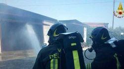 Incendi in aumento, pompieri in calo: il paradosso dell'estate