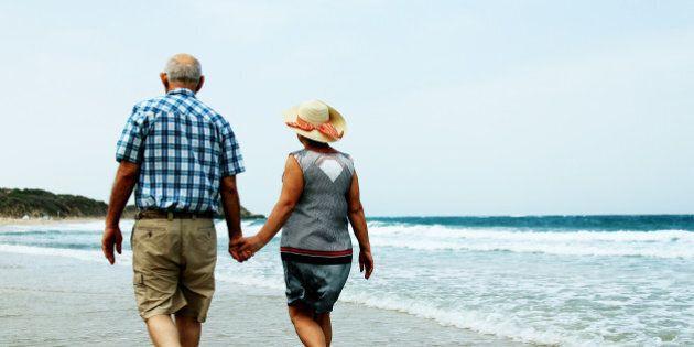 A 90 anni chiede il divorzio per stare con l'amante più giovane. La moglie inizialmente pensa sia uno