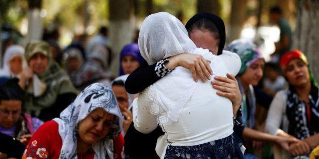 Turchia, attacco mortale durante una festa di matrimonio curdo. Almeno 50 morti e oltre 90