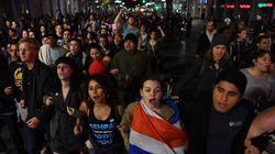 L'America incredula in piazza contro