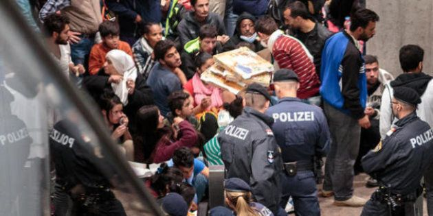 Abbattere i muri. Aprire ai migranti. Il Padiglione tedesco alla XV Biennale