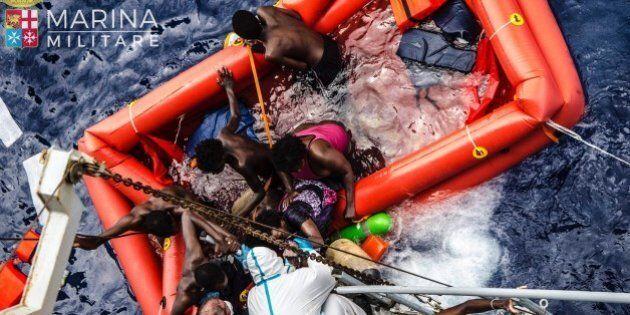Neonati e bambini profughi i nuovi protagonisti degli sbarchi. Oltre 13mila migranti in una