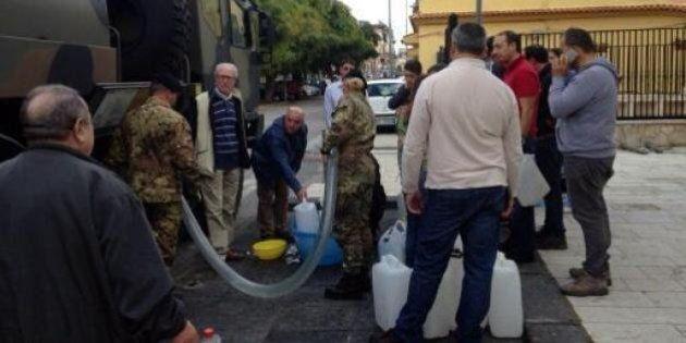 Messina senz'acqua, il governo dichiara lo stato d'emergenza. Guasto al sistema d'emergenza, la situazione...