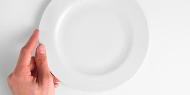 8 cose che succedono quando salti un pasto. Aumenta la stanchezza e la propensione verso alcune malattie