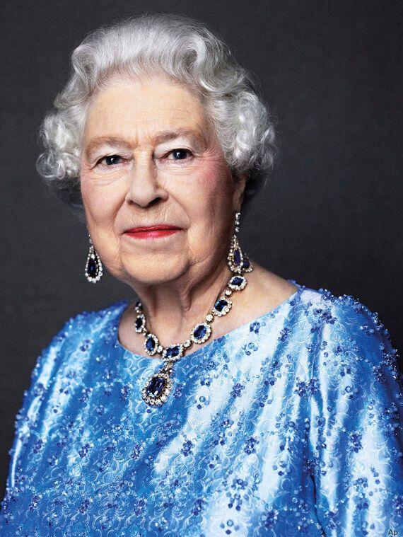 La Regina Elisabetta II festeggia il suo Giubileo di Zaffiro: 65 anni al