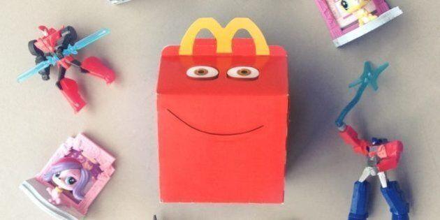 McDonald's inserisce i libri nell'Happy Meal al posto dei giocattoli: