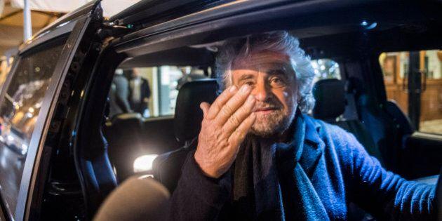 Beppe Grillo lancia la campagna elettorale per la Sicilia: