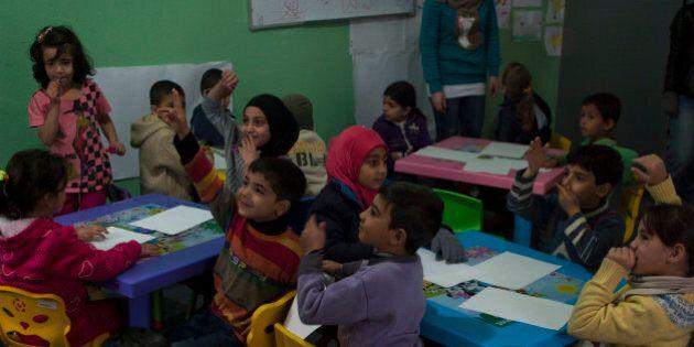 Dodici milioni di profughi, la crisi in Siria mette in ginocchio tutto il Medio Oriente. Ecco come interviene...