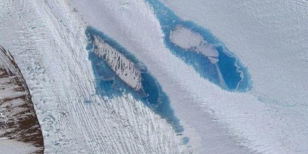 In Antartide sono comparsi migliaia di laghi blu. Gli scienziati: