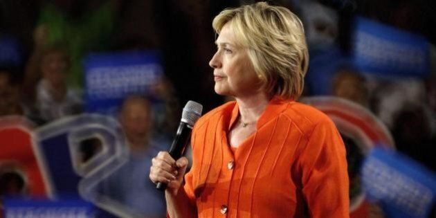 Hillary Clinton, l'Fbi scopre altre 15 mila mail inviate su server privati dall'ex Segretaria di Stato