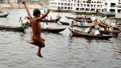 A 11 anni costretto a tornare da solo in Bangladesh:
