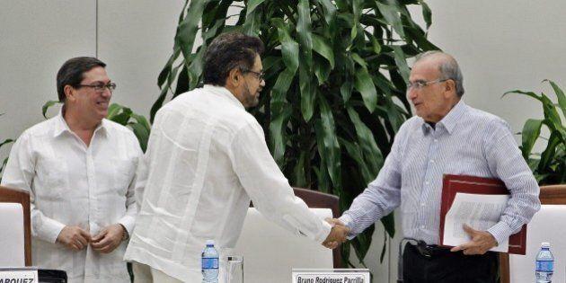 In Colombia Governo e Farc siglano un nuovo accordo di pace, dopo il No al referendum sulla prima