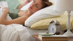 Volete dormire bene? Tenete un libro sul comodino e spegnete la