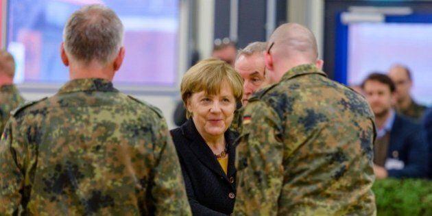 Germania valuta ritorno alla leva obbligatoria. Nel piano sicurezza anche scorte di viveri nelle famiglie...