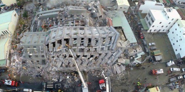 Terremoto Taiwan, drone sorvola le zone colpite dal sisma 6,4° Richter mentre sono in corso i