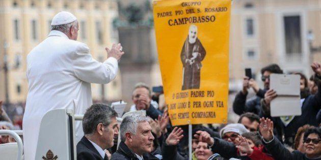 Papa Francesco davanti a 70 mila fedeli: