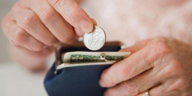 Un'anziana trova 16 milioni di lire in una scatola e li dona in beneficenza. Dopo 4 anni la Banca d'Italia...