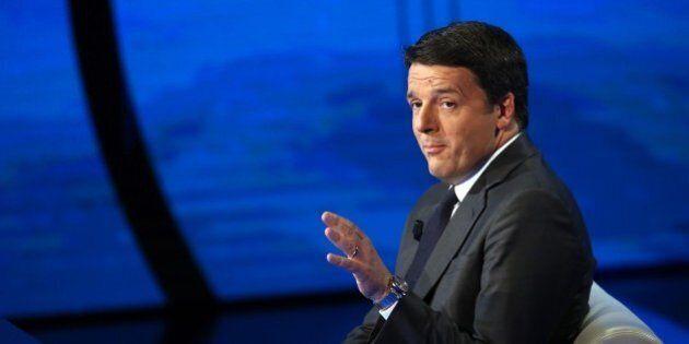 Matteo Renzi mette la veste anti-establishment.