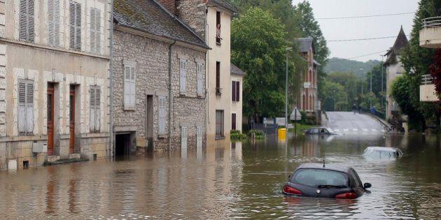 Maltempo in Francia e Germania: almeno 5 morti. Il Louvre chiude per mettere le opere al