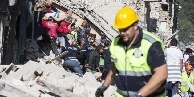 Terremoto, in campo 500 uomini. Angelino Alfano: 219 pompieri già operativi, altri 276 a