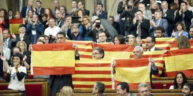 Catalogna, Parlamento di Barcellona approva inizio del processo di indipendenza. Rajoy annuncia