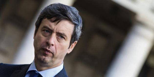 Andrea Orlando smentisce una candidatura alla segreteria del Pd contro Matteo Renzi.
