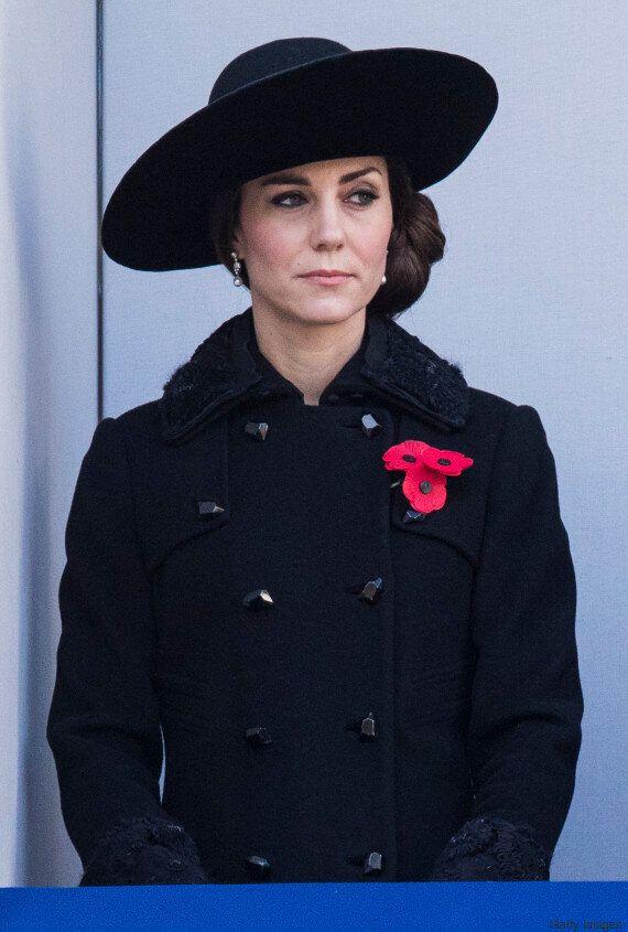 Kate Middleton si mostra elegantissima al Remembrance Day: è ancora lei la più amata