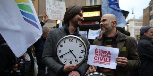 Unioni civili, Beppe Grillo spariglia e il ddl Cirinnà diventa una roulette russa. Pd in confusione,...