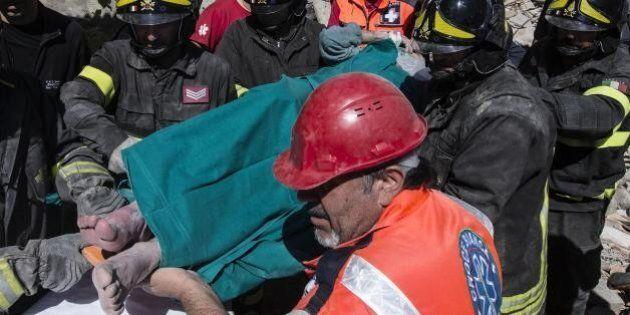 Terremoto Accumoli, il campanile collassa e uccide intera famiglia: