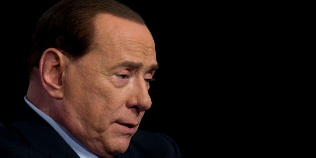 Referendum, Berlusconi in fuga dalla Tv. La prova regina del suo No tiepido e