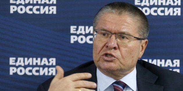 Russia, arrestato il ministro dell'economia: accusato di aver preso tangenti per 2 milioni di