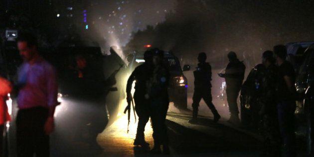 Afghanistan, almeno 15 morti nell'attacco all'università americana di Kabul. 700 le persone in