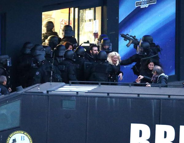 Police forces storm the Hyper Cacher kosher grocery store in Porte de Vincennes, eastern Paris, France on January 9, 2015.