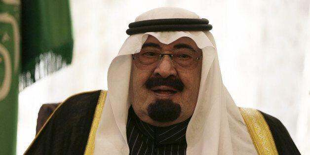 In this Sunday, Dec 29, 2013 photo, Saudi Arabia's King Abdullah, speaks during a meeting at the Saudi Royal palace, in Riyad
