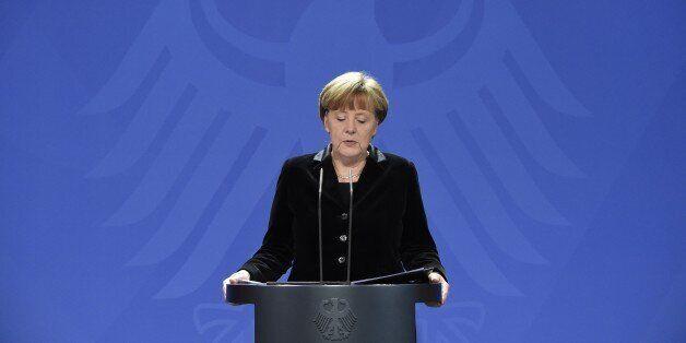 German Chancellor Angela Merkel delivers a statement on January 31, 2015 after death of former German president Richard von W
