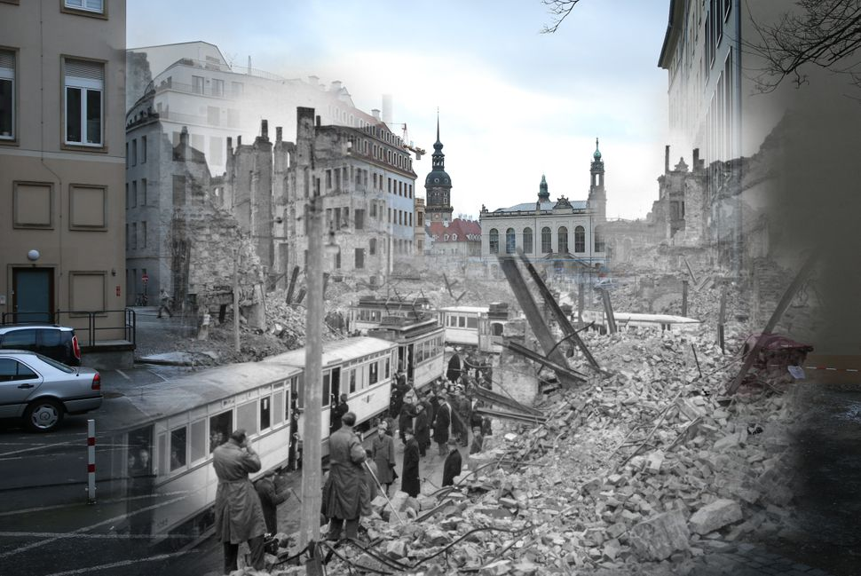 Moritzstrasse and the Juedenhof palace shown in 1946, still in ruins from the Allied bombing, as well as the same area pictur